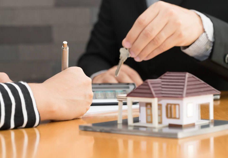 恒业贷款 shutterstock_540873073-960x667 房租到房屋贷款的转换|恒业信贷/墨尔本贷款 房屋贷款  自住房贷款 房屋贷款   墨尔本贷款信贷,墨尔本买房房产地产贷款,个人贷款信贷