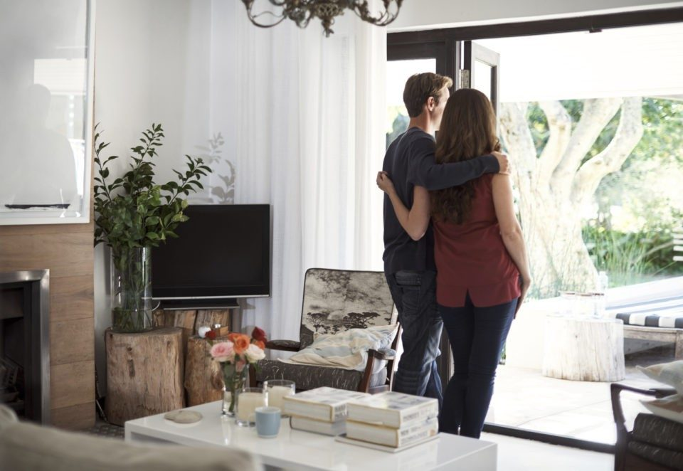恒业贷款 couple-home-loan-960x662 伴侣申请房屋贷款注意事项 | 墨尔本贷款 房屋贷款  房屋贷款 情侣买房 共同买房   墨尔本贷款信贷,墨尔本买房房产地产贷款,个人贷款信贷